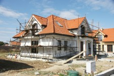 Thermal insulation of building facades